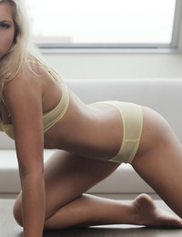 Jenni,Perfect Curves,Come see all of Jenni the perfect blond with perfect curves!